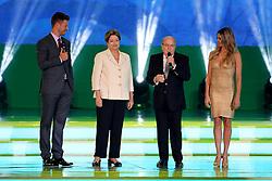 Rodrigo Hilbert , a presidente Dilma Rousseff com o presidente da Fifa, Joseph Blatter e Fernanda Lima durante a cerimônia do sorteio dos grupos da Copa de 2014, na Costa do Sauípe, Bahia. FOTO: Jefferson Bernardes/ Agência Preview
