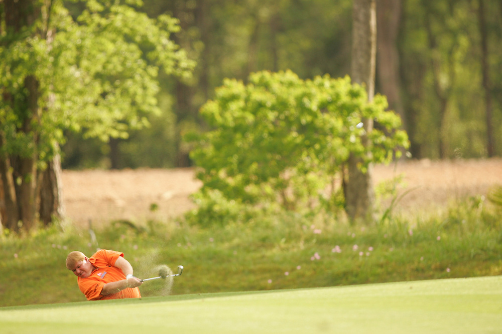 John Daly.2005 Shell Houston Open.Fourth Round.Redstone GC.Humble, TX .Sunday, April 24 2005..photograph by Darren Carroll..04-24-05...