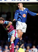 Stan Collymore (Leicester City) Gareth Southgate (Aston Villa). Leicester City v Aston Villa, 19/8/2000, F.A. Carling Premiership. Credit : Colorsport / Matthew Impey.