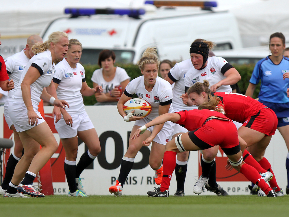 Danielle Waterman in action. England v Canada Pool A match at WRWC 2014 at Centre National de Rugby, Marcoussis, France, on 9th August 2014
