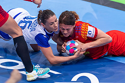 14-12-2018 FRA: Women European Handball Championships Russia - Romania, Paris<br /> First semi final Russia - Romania 28 - 22 / Anna Kochetova #6 of Russia, Gabriela Perianu #11 of Romania