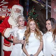 NLD/Amsterdam/20151126 - Perspresentatie The Christmas Show, Ron Brandsteder als kerstman samen met O'G3NE