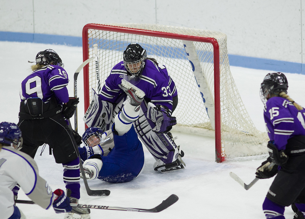 Yuna Evans, of Amherst College, in a NCAA Division III hockey game against Colby College on January 9, 2015 in Waterville, ME. (Dustin Satloff/Colby College Athletics)