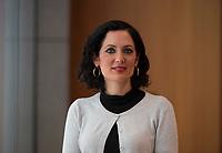 DEU, Deutschland, Germany, Berlin, 19.04.2016: Portrait Prof. Dr. Naika Foroutan, Stellv. Direktorin des Berliner Instituts für empirische Integrations- und Migrationsforschung (BIM).