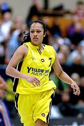 20-05-2006 BASKETBAL: FINALE PLAYOFF BINNENLAND - YELLOW BIKE: BARENDRECHT<br /> Yellow Bike verslaat Binnenland in eigenhuis en neemt nu een 3-1 voorsprong in de serie best of seven / Tirza Pentury <br /> ©2006-WWW.FOTOHOOGENDOORN.NL