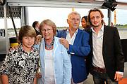 Premiere nieuwe cast Soldaat van Oranje<br /> Caption op het voormalige vliegveld Valkenburg in Katwijk. De musical blijft hier nog tot en met januari 2012 te zien in de TheaterHangaar. <br /> <br /> Op de foto:<br /> <br />  Koos Postema en Partner
