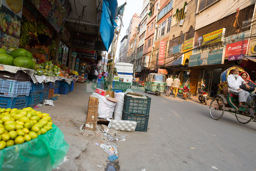 January 28, 2018 - Dhaka, Bangladesh - Due to the collusion of illegal money in the footpath of Dhaka's police and unscrupulous political people, the occupation of occupiers is now in the most dangerous way for ordinary pedestrians to walk through the streets. (Credit Image: © Tahir Hasan/Pacific Press via ZUMA Wire)
