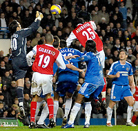 Photo: Ed Godden.<br /> Chelsea v Arsenal. The Barclays Premiership. 10/12/2006.<br /> Chelsea keeper Henrique Hilario, punches the ball clear.