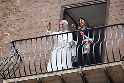 March 26, 2019 - Roma, Italy - Pope Francis and Virginia Raggi from the Capitol balcony. Pope Francis visits the Capitol, to be welcomed by the Mayor of Rome, Virginia Raggi  (Credit Image: © Matteo Nardone/Pacific Press via ZUMA Wire)