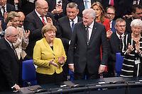 12 FEB 2017, BERLIN/GERMANY:<br /> Volker Kauder, CDU, CDU/CSU Fraktionsvorsitzender, Angela Merkel, CDU, Bundeskanzlerin, Horst Seehofer, CSU, Ministerpraesident Bayern, Gerda Hasselfeldt, CSU, Vorsitzender der CSU Landesgruppe im Bundestag, (1. Reihe v.L.n.R.), 16. Bundesversammlung zur Wahl des Bundespraesidenten, Reichstagsgebaeude, Deutscher Bundestag<br /> IMAGE: 20170212-02-062<br /> KEYWORDS: Bundespraesidentenwahl, Bundespräsidetenwahl, Applaus, applaudieren, klatschen