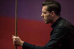 2017?5?1?.      ?????1????——?????????????.        5?1??????????.        ???????????????????2017????????????????????????????????????.        ???????·?????????.(SP) BRITAIN-SHEFFIELD-SNOOKER-WORLD CHAMPIONSHIP-FINAL-HIGGINS VS SELBY.(170501) -- SHEFFIELD, May 1, 2017  Mark Selby of England competes during the final with John Higgins of Scotland at the World Snooker Championship 2017 at the Crucible Theatre in Sheffield, Britain on May 1, 2017. (Credit Image: © Jon Buckle/Xinhua via ZUMA Wire)