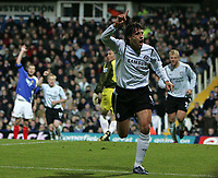 Photo: Lee Earle.<br /> Portsmouth v Chelsea. The Barclays Premiership.<br /> 26/11/2005. Chelsea's Hernan Crespo celebrates scoring their first.