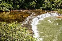 Salto Meia Lua. Águas Frias, Santa Catarina, Brasil. / <br /> Meia Lua Fall. Águas Frias, Santa Catarina, Brazil.