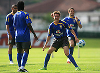20090325: TERESOPOLIS, BRAZIL – Brazil National Team preparing match against Equador, at Teresopolis training center. In picture: Adryan (young player of the brazilian under 15 team) training with his idols. PHOTO: CITYFILES