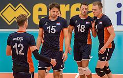24-09-2016 NED: EK Kwalificatie Nederland - Wit Rusland, Koog aan de Zaan<br /> Nederland verliest de eerste twee sets / Thomas Koelewijn #15, Robbert Andringa #18, Daan van Haarlem #1
