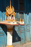 Spirit House and French Colonial Architecture in Laos - In order to make French colonists feel more at home and at the same time to reflect its vision of imperial grandeur, the French colonial government rebuilt Laotian cities according to European specifications.