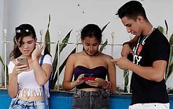 December 4, 2016 - Mexico - EUM20161204POL06.JPG.LA HABANA, Cuba, Politics/Pol√≠tica-Ra√∫l Castro.- Tras la muerte de  Fidel Castro, el debate en torno a su sucesi√≥n se reanud√≥ y, pese a las reformas de los √∫ltimos a√±os, el gobierno defiende el modelo socialista. Mayor acceso a internet ha sido una de las reformas aplicadas en Cuba a partir del gobierno de Ra√∫l Castro. Foto: Agencia EL UNIVERSAL/Jorge Serratos/EVZ  (Credit Image: © El Universal via ZUMA Wire)