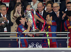 28-05-2011 VOETBAL: CHAMPIONS LEAGUE FINAL FC BARCELONA - MANCHESTER UNITED: LONDON<br /> Lionel Messi kiss the Cup<br /> ***NETHERLANDS ONLY***<br /> ©2011- FotoHoogendoorn.nl/EXPA/ InsideFoto/Paolo Nucci