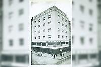 Zagreb : [Ilica]. <br /> <br /> Impresum[S. l. : s. n., poslije 1929].<br /> Materijalni opis1 razglednica : tisak ; 14 x 8,6 cm.<br /> Vrstavizualna građa • razglednice<br /> ZbirkaZbirka razglednica • Grafička zbirka NSK<br /> Formatimage/jpeg<br /> PredmetZagreb –– Ilica<br /> SignaturaRZG-ILIC-8<br /> Obuhvat(vremenski)20. stoljeće<br /> NapomenaNije putovala.<br /> PravaJavno dobro<br /> Identifikatori000974269<br /> NBN.HRNBN: urn:nbn:hr:238:970627 <br /> <br /> Izvor: Digitalne zbirke Nacionalne i sveučilišne knjižnice u Zagrebu