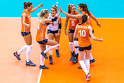 15-10-2018 JPN: World Championship Volleyball Women day 16, Nagoya<br /> Netherlands - USA 3-2 / Anne Buijs #11 of Netherlands, Laura Dijkema #14 of Netherlands, Kirsten Knip #1 of Netherlands, Maret Balkestein-Grothues #6 of Netherlands, Juliet Lohuis #7 of Netherlands, Lonneke Sloetjes #10 of Netherlands