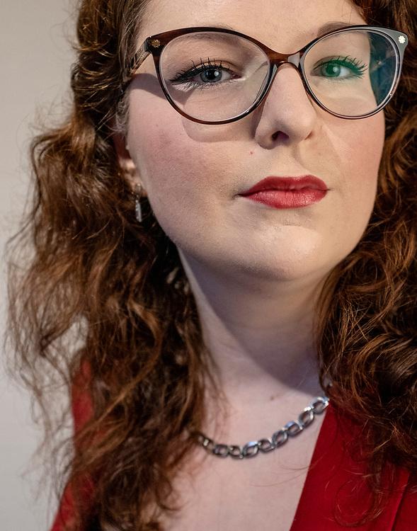 Nederland. Vlaardingen, 03-11-2019. Photo: Patrick Post. Portret voor Letter en Geest van Janneke Vink.