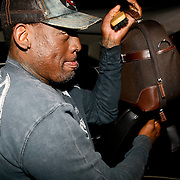 NLD/Almere/20091112 - USA Legends - Dutch Legends met oa Dennis Rodman, aankomst per limo
