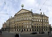Het Koninklijk Paleis Amsterdam is een paleis op de Dam in de binnenstad van Amsterdam. Het paleis is in gebruik door het Koninklijk Huis als ontvangstpaleis en wordt gebruikt voor tentoonstellingen. Op 30 april 2013 zal koningin Beatrix in het paleis officieel afstand doen van de troon. Op de foto de achterkant van het paleis<br /> <br /> The Royal Palace is a palace on Dam Square in the center of Amsterdam. The palace is in use by the Royal Family as a reception palace and is used for exhibitions. Queen Beatrix in the palace on April 30, 2013 will officially renounce the throne.On the picture the back of the palace