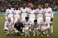 Fotball<br /> 01.03.2006<br /> Frankrike v Slovakia<br /> Foto: Dppi/Digitalsport<br /> NORWAY ONLY<br /> <br /> FRANCE TEAM ( BACK ROW LEFT TO RIGHT : ALOU DIARRA / LILIAN THURAM / PATRICK VIEIRA / NICOLAS ANELKA / DAVID TREZEGUET / JEAN ALAIN BOUMSONG . FRONT ROW : ZINEDINE ZIDANE / FABIEN BARTHEZ / WILLY SAGNOL / VIKASH DHORASOO / MIKAEL SILVESTRE )