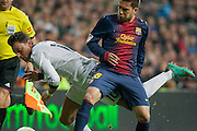 Ozil and Jordi Alba fights near touch line