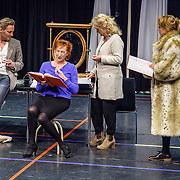 NLD//Amsterdam20160415 - Persdag toneelstuk In de Ban van Broadway, Martijn Nieuwerf. Loes Luca, Leny Bredderveld, Tjitske Reidinga