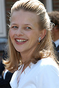 On Queensday, april 30th the Queen attends the celebrations of Queensday in Scheveningen near the Hague.<br /> This is her 25th jubilee.<br /> <br /> Op Koninginnedag, 30 april, is de Koningin  's Middags aanwezig metn en haar familie het koninginnedagfeest mee te vierten in Scheveningen.<br /> <br /> On The photo / On the Photo;<br /> <br /> Mabel Wisse Smit
