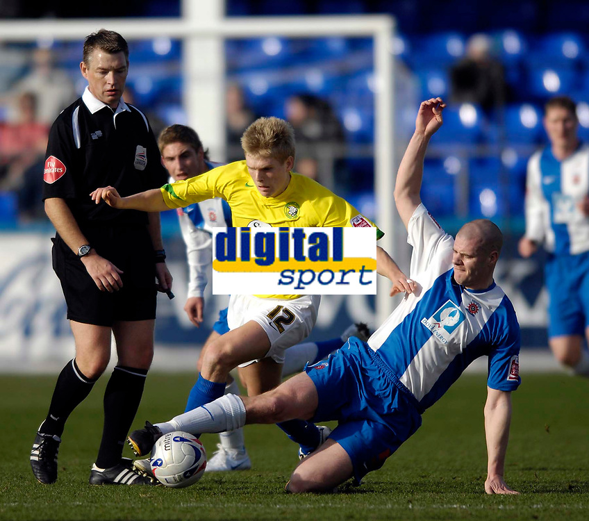 Photo: Jed Wee/Sportsbeat Images.<br /> Hartlepool United v Hereford United. Coca Cola League 2. 03/03/2007.<br /> <br /> Hartlepool's Michael Nelson (R) stretches to tackle Hereford's Alan Connell.