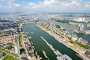 Nederland, Zuid-Holland, Rotterdam, 10-06-2015; overzicht van de Maashaven met binnenvaartschepen, rechts Katendrecht, bijgenaamd De Kaap.<br /> Meuse harbour with barges and Katendrecht peninsula, former port quarter.<br /> luchtfoto (toeslag op standard tarieven);<br /> aerial photo (additional fee required);<br /> copyright foto/photo Siebe Swart