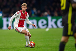 10-04-2019 NED: Champions League AFC Ajax - Juventus,  Amsterdam<br /> Round of 8, 1st leg / Ajax plays the first match 1-1 against Juventus during the UEFA Champions League first leg quarter-final football match / Frenkie de Jong #21 of Ajax