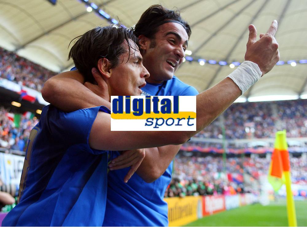 0:2 Jubel Filippo Inzaghi Italien, Simone Barone<br /> Fussball WM 2006 Tschechien - Italien<br /> Tsjekkia - Italia<br /> Norway only
