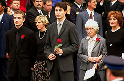 Oct. 3, 2000 - Montreal, Quebec, Canada - October 10, 2000 - file Photo - Montreal (Quebec) CANADA -..leaving  the funeral of former Canadian Prime Minister, the Honorable Pierre Eliott Trudeau  held at the Notre-Dame Basilica in Montreal (Québec, Canada) on October 10th, 2000 :  from left to right :.Sacha Trudeau (26), Trudeau latest un married companion, Justin Trudeau (28), Former wife Margaret Sinclair - Trudeau and her mother. (Credit Image: © Images Distribution/ZUMAPRESS.com)