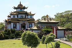 Localizado na cidade de Três Coroas - RS, o templo Khadro Ling é a sede do Chagdud Gonpa Brasil, uma organização sem fins lucrativos destinada ao estudo e prática do Budismo Tibetano. Uma comunidade de praticantes budistas mora no local e em suas terras fica o primeiro templo tibetano tradicional da America Latina. Foto: Marcos Nagelstein/ Agência Preview