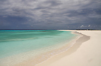 A slice of paradise on Cayo de Agua on the spectacular Los Roques Archipelago of the coast of Venezuela. 300 islands of sun, sea and sand!