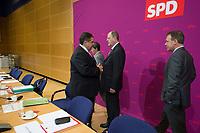 23 SEP 2013, BERLIN/GERMANY:<br /> Siegmat Gabriel (L), SPD Parteivoristzender, und Peer Steinbrueck (R), SPD Kanzlerkandidat, im Gespraech, vor Beginn der ersten Sitzung des SPD Parteivorstandes nach der Bundestagswahl, Willy-Brandt-Haus<br /> IMAGE: 20130923-01-013<br /> KEYWORDS: Peer Steinbrück, Gespräch