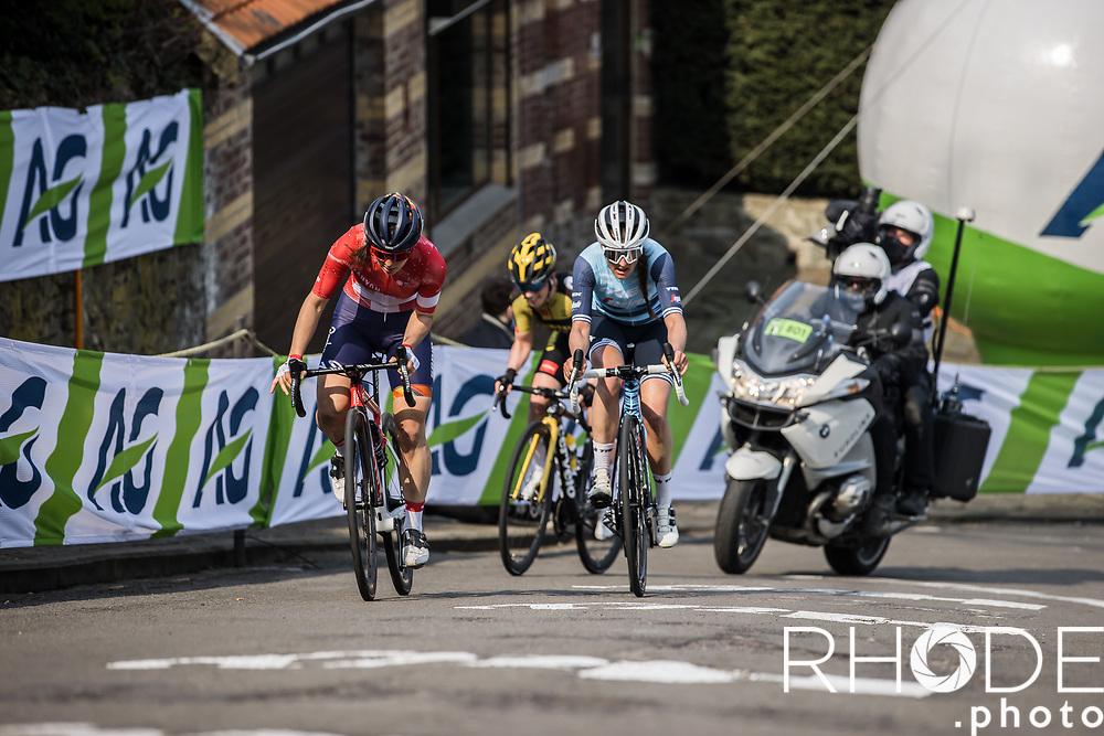 breakaway group with Elise Chabbey (SUI/Canyon Sram Racing), Anna Henderson (GBR/Jumbo-Visma) and  Lucinda Brand (NED/Trek Segafredo) up the 'Mur de Huy' <br /> <br /> 24th la Flèche Wallonne Féminin 2021 (1.UWT)<br /> 1 Day Race: Huy – Huy 130,5km<br /> <br /> ©RhodePhoto