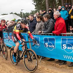 2020-02-08 Cycling: dvv verzekeringen trofee: Lille: Belgian champion Laurens Sweeck leading the bunch