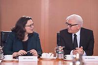 11 FEB 2014, BERLIN/GERMANY:<br /> Andrea Nahles (L), SPD; bundesarbeitsministerin, und Frank-Walter Steinmeier (R), SPD, Bundesaussenminister, im Gespraech, vor Beginn der Kabinettsitzung, Bundeskanzleramt<br /> IMAGE: 20150211-01-011<br /> KEYWORDS: Kabinett, Sitzung, Gespräch