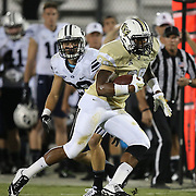 ORLANDO, FL - OCTOBER 09: Jordan Akins #88 of the UCF Knights runs the football at Bright House Networks Stadium on October 9, 2014 in Orlando, Florida. (Photo by Alex Menendez/Getty Images) *** Local Caption *** Jordan Akins