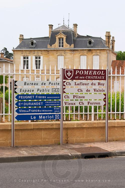 Road signs in front of chateau Nenin saying Pomerol, Ch Lafleur du Roy, Ch de Valois, Plince, Vieux Chateau Ferron and more  Pomerol  Bordeaux Gironde Aquitaine France