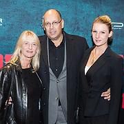 NLD/Amsterdam/20161010 - Premiere Prooi, Simon de Waal en partner en dochter