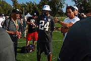 January 28 2016: Team Rice assistant coach Eric Davis talks to the defensive backs after the Pro Bowl practice at Turtle Bay Resort on North Shore Oahu, HI. (Photo by Aric Becker/Icon Sportswire)