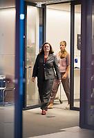 DEU, Deutschland, Germany, Berlin, 07.09.2018: Die Vorsitzende der SPD-Bundestagsfraktion, Andrea Nahles, kommt zu einem Pressestatement nach der Klausurtagung. Im Hintergrund Lena Daldrup, Leiterin der Pressestelle und Sprecherin der Fraktionsvorsitzenden.