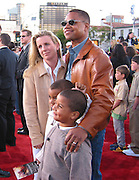 Cube Gooding Jr with wife & kids.Spider Man Premiere .Mann Village Theatre.Westwood, Los Angeles, CA.April 29, 2002.Photo By Antoine Desert/Celebrityvibe.com..
