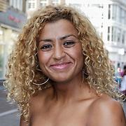 NLD/Amsterdam/20120702 - Presentatie Linda: Meiden, Soumia Abalhaya