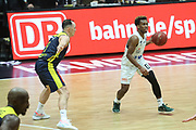 Basketball: Deutschland, 1. Bundesliga, Hamburg Towers -  EWE Baskets Oldenburg, Hamburg, 14.04.2021<br /> TJ Shorts (Towers, r.)<br /> © Torsten Helmke